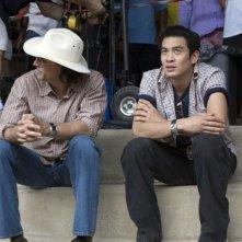 Nicolas Cage e Shahkrit Yamnarm in un'immagine del film Bangkok Dangerous