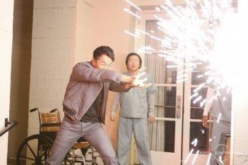 Sendhil Ramamurthy, Masi Oka e James Kyson Lee in una scena di Close to You, dalla quarta stagione di Heroes