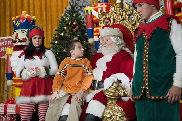 The Middle Atticus Shaffer In Una Scena Dell Episodio Christmas 143630