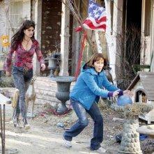 The Middle: Brooke Shields e Patricia Heaton nell'episodio The Neighbor