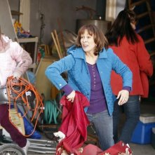 The Middle: Eden Sher e Patricia Heaton nell'episodio The Neighbor