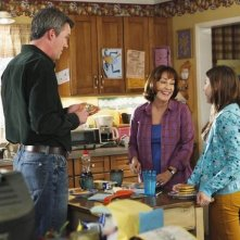 The Middle: Eden Sher, Neil Flynn e Patricia Heaton in una scena dell'episodio The Jeans