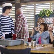 The Middle: Patricia Heaton, Neil Flynn e Charlie McDermott nell'episodio Christmas