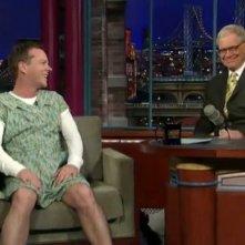 Kiefer Sutherland vestito da donna al Letterman Show, nel 2010