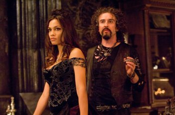 Persephone (Rosario Dawson) e Ade (Steve Coogan) in una scena del film Percy Jackson e gli dei dell'Olimpo: Il ladro di fulmini