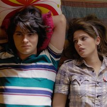 Shiloh Fernandez e Ashley Greene in un momento del film Skateland