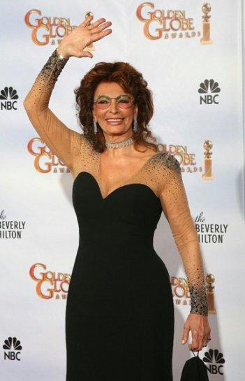 Sophia Loren ai Golden Globes 2010 per consegnare il premio come Miglior Film Straniero