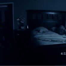 Una scena agghiacciante del film Paranormal Activity