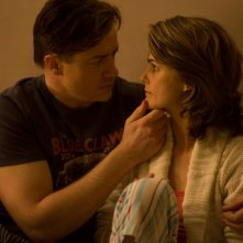 Brendan Fraser e Keri Russell in una scena del film Extraordinary Measures