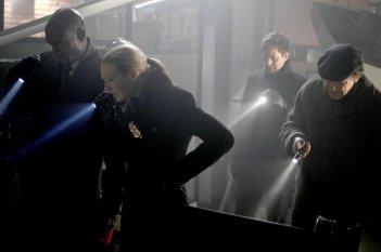 Fringe: Anna Torv, Lance Reddick, John Noble e Joshua Jackson nell'episodio Jacksonville