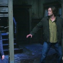 Supernatural: Julie McNiven, Jared Padalecki ed Amy Gumenick nell'episodio Back to the Future II