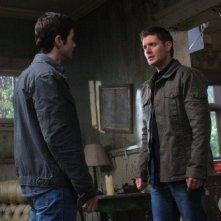 Supernatural: Matt Cohen e Jensen Ackles in un momento dell'episodio Back to the Future II