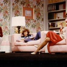 Christian Fassetta (al centro) con Giuliana Lojodice e Aroldo Tieri a teatro con 'La famiglia'.