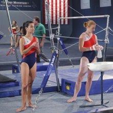 Make it or Break it: Josie Loren e Jen Hanson nell'episodio Follow the Leader