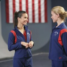 Make it or Break it: Josie Loren ed Allison Caetano nell'episodio Follow the Leader