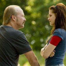 William Hurt e Kristen Stewart in una scena del film The Yellow Handkerchief
