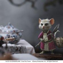 Alice in Wonderland: una sequenza del film di Tim Burton