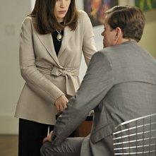 Julianna Margulies e Dylan Baker in una scena dell'episodio Bad di The Good Wife