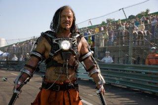 Mickey Rourke in una scena del film Iron Man 2