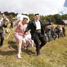 Aleksandar Bercek e Ljiljana Blagojevic in una scena del film Promettilo!