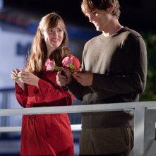 Julia (Jennifer Garner) e Reed (Ashton Kutcher) in una scena del film Valentine's Day