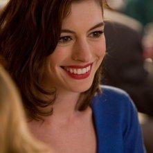 Un primo piano di Liz (Anne Hathaway) nel film Valentine's Day