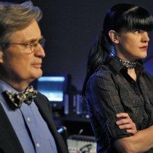 Ducky (David McCallum) e Abby (Pauley Perrette) in un momento dell'episodio Flesh and Blood di Navy N.C.I.S.