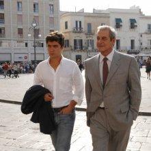 Ennio Fantastichini e Riccardo Scamarcio in una scena del film Mine vaganti
