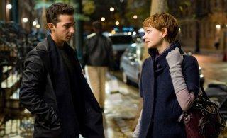 Shia LaBeouf (Jacob Moore) e Carey Mulligan (Winnie Gekko) nel film Wall Street 2: Money Never Sleeps