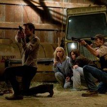 Il cast di The Crazies impegnato in una drammatica sequenza