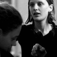 La regista Mia Hansen-Løve sul set del suo film Le père de mes enfants (2009)