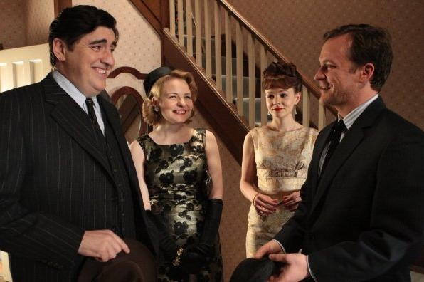 Alfred Molina Rosamund Pike Peter Sarsgaard E Carey Mulligan In Una Sequenza Del Film An Education 146098