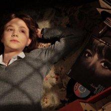 Carey Mulligan in un'immagine emblematica del film An Education