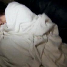 Katie Featherston in una scena drammatica del film Paranormal Activity, diretto da Oren Peli