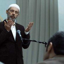 Vedat Erincin nel film Shahada