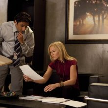Past Life: Ravi Patel e Kelli Giddish nell'episodio Dead Man Talking