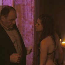 Kristen Stewart e James Gandolfini nel film Welcome to the Rileys