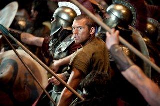 Perseo (Sam Worthington) in battaglia nel film Clash of the Titans