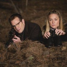 Jack Coleman ed Elisabeth Rohm in una scena di The Art of Deception, dalla quarta stagione di Heroes