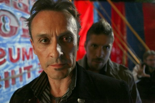 Robert Knepper E Ray Park In Una Scena Tratta Da Brave New World Dalla Quarta Stagione Di Heroes 146668