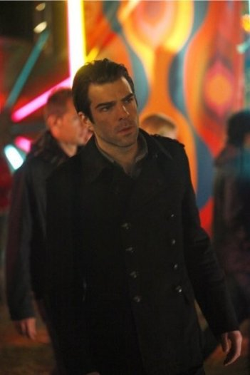 Zachary Quinto in una scena di Brave New World dalla quarta stagione di Heroes