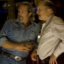 Jeff Bridges e Robert Duvall in una sequenza del film Crazy Heart