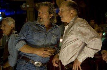Jeff Bridges e Robert Duvall in una sequenza del film Crazy Heart