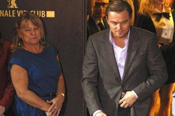 Berlinale 2010: Il protagonista di Shutter Island, Leonardo DiCaprio con sua madre Irmalin
