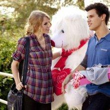 Taylor Swift e Taylor Lautner in una sequenza del film Valentine's Day