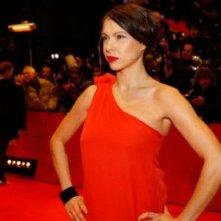 Berlinale 2010: Jana Pallaske affronta con piglio deciso i flash dei fotografi