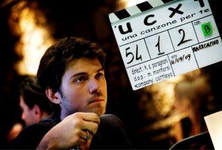 Una delle prime immagini dal set del film Una canzone per te