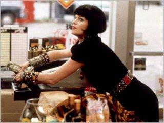 Melanie Griffith è la sensuale protagonista di Qualcosa di travolgente