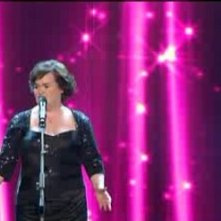 Sanremo 2010, prima serata: la cantante inglese Susan Boyle