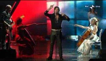 Sanremo 2010, prima serata: Povia